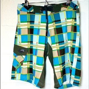 Maui and Sons Size 30 4 Way Stretch Board Shorts